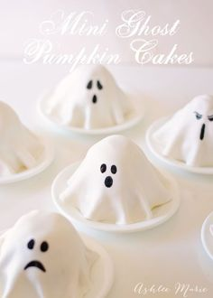 these mini ghost cakes are SO easy to make!