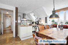 Fanøgade 34, 4., 2100 København Ø - Lys 5-værelses taglejlighed i roligt kvarter på Østerbro #andel #andelsbolig #andelslejlighed #østerbro #kbh #københavn #selvsalg #boligsalg #boligdk