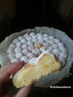In una giornata di sole misto a pioggia, ho deciso di provare un nuovo dolce partendo da un sacchetto di farina di mandorla comprato distrattamente al Lidl ✫♦๏༺✿༻☘‿TH Jul ‿❀🎄✫🍃🌹🍃🔷️❁`✿~⊱✿ღ~❥༺✿༻🌺♛༺ ♡⊰~♥⛩⚘☮️❋ Italian Cake, Italian Desserts, Italian Recipes, Great Desserts, Delicious Desserts, Dessert Recipes, Sweet Light, Torte Cake, Almond Cakes