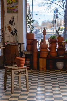 Old Plates, Nordic Living, Ceramics Projects, Tea Art, Pottery Studio, Tea Bowls, Clay Pots, Ceramic Artists, Timeless Design