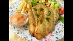 Αυτό το Φιλέτο Κοτόπουλου γίνεται πολύ εύκολα και είναι ζουμερό και νόστομο. Το φιλέτο μαρινάρεται πρώτα με σε μέλι και μουστάρδα και ψήνεται στο φούρνο. Baked Chicken Breast, Chicken Breasts, Chicken Seasoning, Greek Recipes, Fresh Rolls, Hospitality, Mustard, Chicken Recipes, Turkey