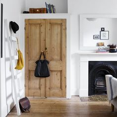 Scandinavian bedroom ideas Scandinavian bedroom with wooden doors Scandinavian bedroom ideas ho Alcove Wardrobe, Bedroom Alcove, Bedroom Built In Wardrobe, Pine Wardrobe, Wooden Wardrobe, Home Bedroom, Modern Bedroom, Bedroom Ideas, Bedroom Doors