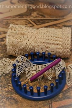 LOOM KNIT WRIST WARMERS, FREE PATTERN.  #freeloomknittingpatterns