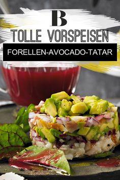 Kochen für Gäste: Vorspeisen-Rezepte - das Beste zuerst. Wunderbar festlich: das Tatar kommt in Begleitung einer scharfen Granatapfelsoße auf den Tisch. Zum Rezept: Forellen-Avocado-Tatar mit Käse-Crackern. Potato Salad, Food And Drink, Potatoes, Dinner, Ethnic Recipes, Snacks, Party, Blog