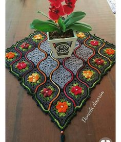 Crochet Knitting Handicraft: shawl Blanket and tablecloths by one motif Crochet Art, Easy Crochet Patterns, Crochet Home, Crochet Motif, Irish Crochet, Crochet Designs, Crochet Doilies, Crochet Flowers, Crochet Stitches