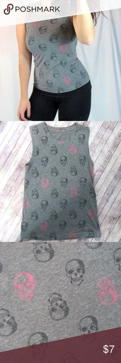//SKULL TANK// Cute skull tank, tag is wore off but fits like a small. Tops Tank Tops