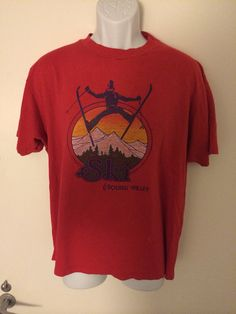Your place to buy and sell all things handmade Vintage Shirts, Vintage Outfits, Funny Tees, Cool T Shirts, Shirt Designs, Graphic Tees, Holiday 2014, Skiing, Mens Tops