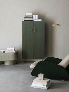 salon béton ciré meuble minimaliste nuance vert kaki Dressing Pax, Deco Retro, Tall Cabinet Storage, House Design, Interior Design, Inspiration, Construction, Furniture, Home Decor