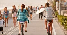 Riding Bikes on the Boardwalk in Mission Beach 25 things to do for free in San Diego! - Travel San Diego - Ideas of Travel San Diego San Diego Vacation, San Diego Travel, San Diego Beach, Mission Bay San Diego, Mission Beach, Sup Yoga, Free Things To Do, Huntington Beach, Riding Bikes