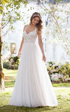 Soft, romantic, and light-as-air, this boho wedding dress from Stella York was made for the laidback, casually-cool bride. The bodice of this French tulle over matte-side Lavish satin gown is const… Fall Wedding Dresses, Tulle Wedding, Boho Wedding Dress, Bridal Dresses, Wedding Gowns, 2017 Wedding, Wedding Ceremony, Mermaid Wedding, Bridesmaid Dresses