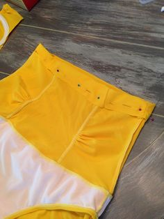 DIY high waisted swimsuit or panties Diy Clothing, Sewing Clothes, Sewing Hacks, Sewing Tutorials, Sewing Lingerie, Creation Couture, Swimsuits, Swimwear, Diy Fashion