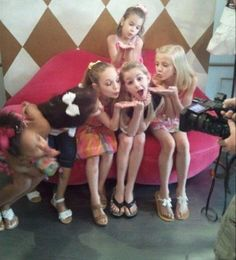 Mom Season 1, Dance Moms Season, Chloe And Paige, Maddie And Mackenzie, Dance Moms Dancers, Dance Moms Girls, Watch Dance Moms, Big Drama, Paige Hyland