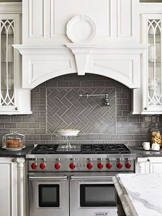 Grey Herringbone Subway Tile Backsplash Works with the Stainless Stove against W. Grey Herringbone Subway Tile Backsplash Works with the Stainless Stove against White Cabinetry Classic Backsplash, Beautiful Kitchens, Cool Kitchens, Home Kitchens, Kitchen Hoods, Kitchen Tiles Backsplash, Kitchen Renovation, Kitchen Design, Smart Kitchen