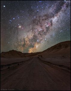 Milky Way: San Pedro de Atacama, Valle de la Luna, Atacama Desert, Chile. By Babak A. Tafreshi -- Wow I can't wait to see this National Geographic Photographers, National Geographic Travel, Places To Travel, Places To See, Beautiful World, Beautiful Places, Valley Of The Moon, Milky Way, Stargazing