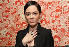 Rose McGowan in UNCONDITIONAL