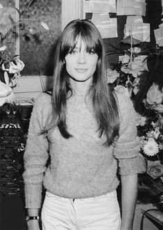 From The Netherlands loves vintage and/or shabby chic,Rufus Sewell and the Royal Family of French music Jacques Dutronc,Françoise Hardy and Thomas Dutronc Fringe Hairstyles, Hairstyles With Bangs, Pretty Hairstyles, 90s Hairstyles, Updo Hairstyle, Black Hairstyles, Wedding Hairstyles, Françoise Hardy, Charlotte Rampling