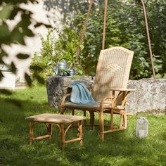 chaise longue avec repose pieds rotin ideal pour terrasse ou jardin coin soleil chaise
