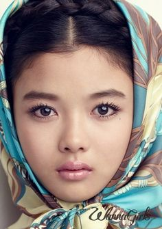 Kim Yu-Jung 김유정 패션화보 모음 (13P)