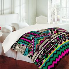 Awesome neon Aztec bedding