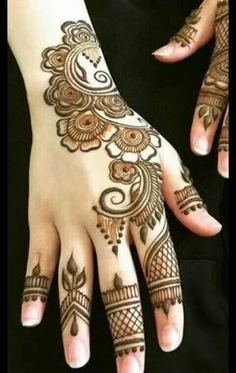 henna Modern Mehndi Designs, Mehndi Patterns, Mehndi Design Pictures, Beautiful Mehndi Design, Simple Mehndi Designs, Mehndi Images, Bridal Mehndi Designs, Mehndi Tattoo, Henna Tattoo Designs