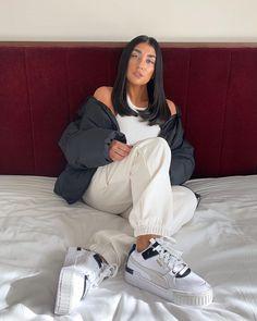Pre coffee fix Sneaker Outfits Women, Sport Outfits, Cute Outfits, Cute Shoes, Me Too Shoes, Black Converse Outfits, Puma Cali, Puma Outfit, Nike Shoes Air Force