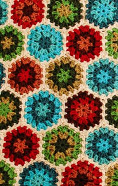 Colorful granny hexagons. Free afghan pattern.