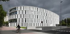 Image 1 of 28 from gallery of Vitoria-Gasteiz Town Hall Offices / IDOM. Photograph by Aitor Ortiz