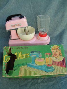 VINTAGE 1950s-1960s JAPAN EXELO BATTERY OP TIN TOY KITCHEN COMBI-O-MIXER w BOX