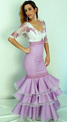 Spanish Dress, Spanish Dancer, Spanish Woman, Flamenco Costume, Flamenco Dancers, Dance Dresses, Cute Dresses, Beautiful Dresses, Spanish Fashion
