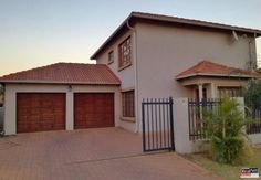 19 Properties and Homes For Sale in Theresapark, Akasia, Gauteng 3 Bedroom House, Home Buying, Beautiful Homes, Garage Doors, Houses, Outdoor Decor, Home Decor, House Of Beauty, Homes