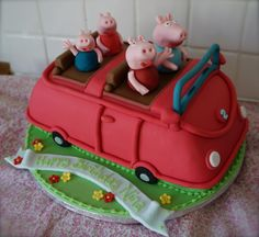 Peppa Pig Family Car Birthday Cake