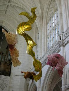 Street and Public Art, Peter Gentenaar, Artist, Melisande, Photographer, paper sculpture installation, Church of Saint-Riquier (inside the abbey), France