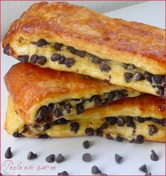 Brioche suisse aux pépites de chocolat - Perle en sucre - Expolore the best and the special ideas about French recipes Brunch Recipes, Sweet Recipes, Cake Recipes, Dessert Recipes, Quick Dessert, Donut Recipes, Bread And Pastries, French Pastries, Cooking Chef