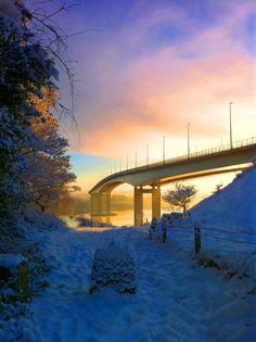 Visit Derry - The bridge over the River Foyle, Derry, Northern #Ireland