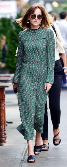 Dakota Johnson having breakfast in NY - 10 Sep 2015
