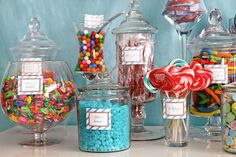 i would want to do this at our wedding and have little bags so everyone gets to take some sweets home for their party favors