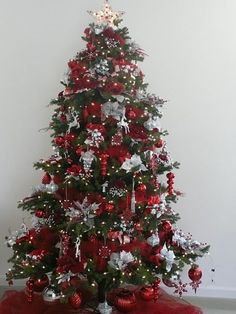 The good idea to get the solution when you want to make the White Silver Christmas Tree Decorations Ideas is coming from here. Description from ioprisoi.com. I searched for this on bing.com/images
