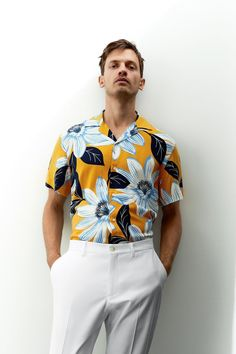 Floral Shirt Outfit, Floral Print Shirt, Camisa Floral, Online Zara, Zara Man, Mens Clothing Styles, Printed Shirts, Men's Shirts, Workout Shirts