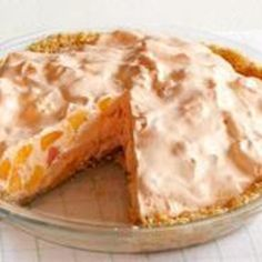 10 Peach Recipes – If you think of seasonal desserts like Peach Cobbler when you think of peach recipes—well, we don't blame you. But, ripe peaches bring out the best in other ingredients in all kinds of savory dishes, too! Jello Desserts, Jello Recipes, Great Desserts, Summer Desserts, Delicious Desserts, Dessert Recipes, Yummy Food, Pie Recipes, Pie Dessert
