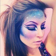 Deze vind ik echt heel tof!  Galaxy Makeup by: http://ashleyswagner.tumblr.com/