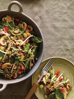 Recette de salade d'amour de Ricardo salad salad salad recipes grillen rezepte zum grillen Buffets, Bbq Appetizers, Ricardo Recipe, Healthy Snacks, Healthy Recipes, Comfort Food, Cold Meals, How To Cook Quinoa, Vegetable Salad