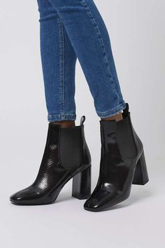 f003f758c85e85 MARIA Flared Heel Chelsea Boots. Chelsea Stiefeletten