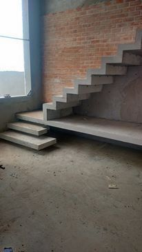 Concrete Staircase, Wooden Stairs, Staircase Design, Stair Railing, Wood Stair Treads, Interior Staircase, Stair Design, Mezzanine, House Stairs
