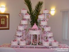 Tall Quinceanera 8 in. cakes sit around the fountain base. With doll cake as topper. Extravagant Wedding Cakes, Amazing Wedding Cakes, Amazing Cakes, Pretty Cakes, Beautiful Cakes, Sweet 15 Cakes, Fountain Wedding Cakes, Quince Cakes, Quinceanera Cakes