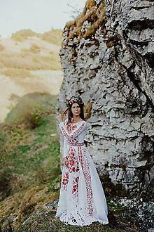 JAROSLAVA WURLL KOCANOVA - JaroslavaWurllKocanova / SAShE.sk Modeling, Shoulder Dress, Victoria, Folk, Dresses, Fashion, Gowns, Moda, Popular