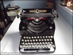Vintage Orga Privat  typewriter - QWERTZ keyboard, big & classy, German, made in Germany, working, not portable, bingewerke, oldtypewriters