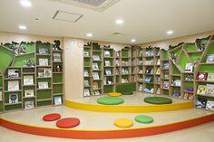 Home Decorating Websites Stores Preschool Library, Preschool Rooms, Kids Library, Kindergarten Interior, Kindergarten Design, Bookstore Design, Library Design, Church Interior Design, Kids Indoor Playground