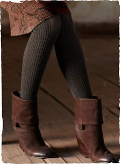 Add some texture to your look with our opaque ribbed tights, crafted of wool and polyamide Colourful Outfits, Cool Outfits, Wool Tights, Winter Tights, Boating Outfit, Stylish Clothes For Women, Women's Leggings, What To Wear, Winter Outfits