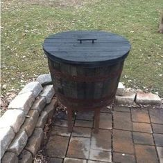 Half whiskey barrel patio cooler with removable lid Patio Cooler, Diy Cooler, Outdoor Cooler, Cooler Cart, Homemade Cooler, Homemade Wine, Half Whiskey Barrels, Wine Barrels, Whiskey Barrel Furniture