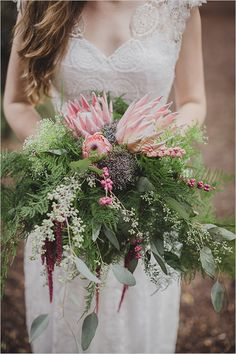 DIY king protea wedding bouquet @weddingchicks